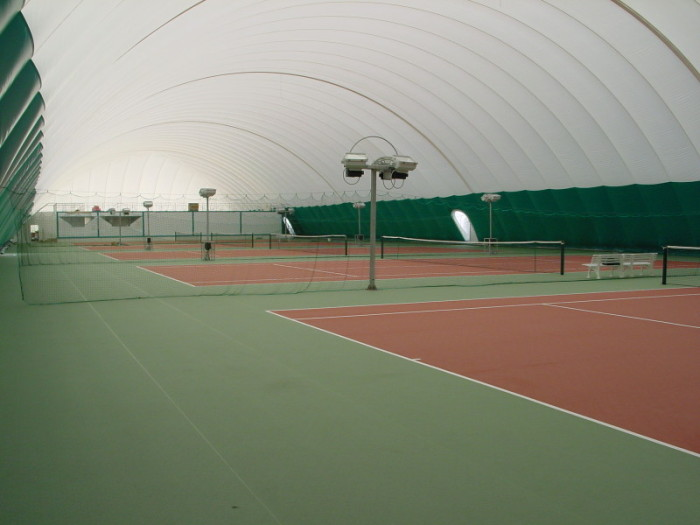 Double Skinned Air Dome over 4no. Tennis courts